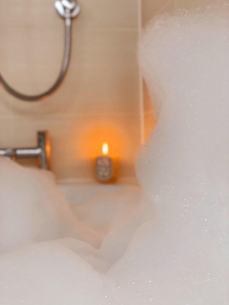 Jaye Rockett Bubble bath