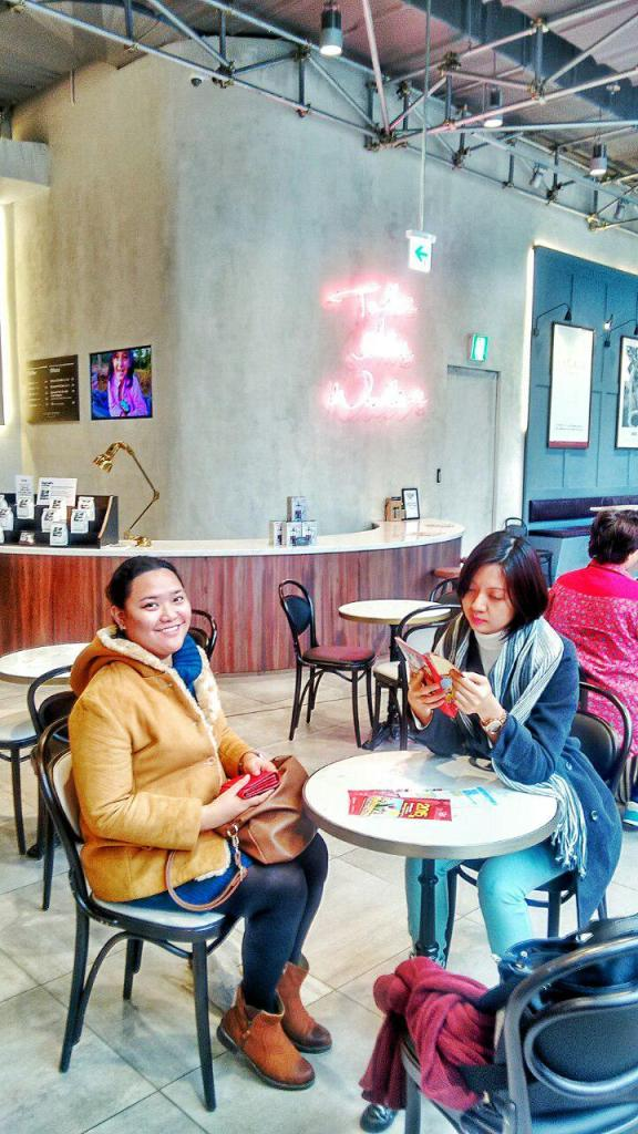 Stealing warmth inside a coffee shop while waiting for the bus to the Folk Village. Suwon. Photo by Ace Tria.