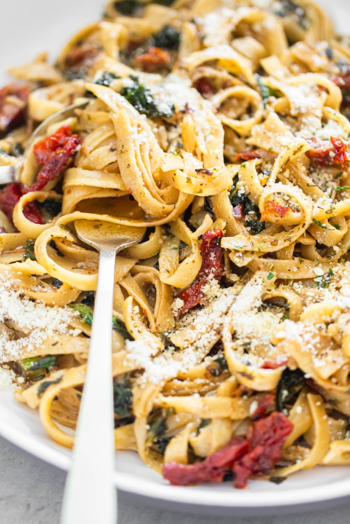 Sun dried Tomato and Kale Pasta