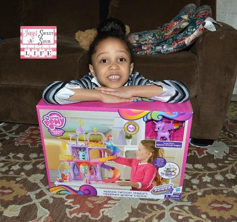 Hasbro's My Little Pony Rainbow Power Twilight Sparkle Rainbow Kingdom Playset – Review