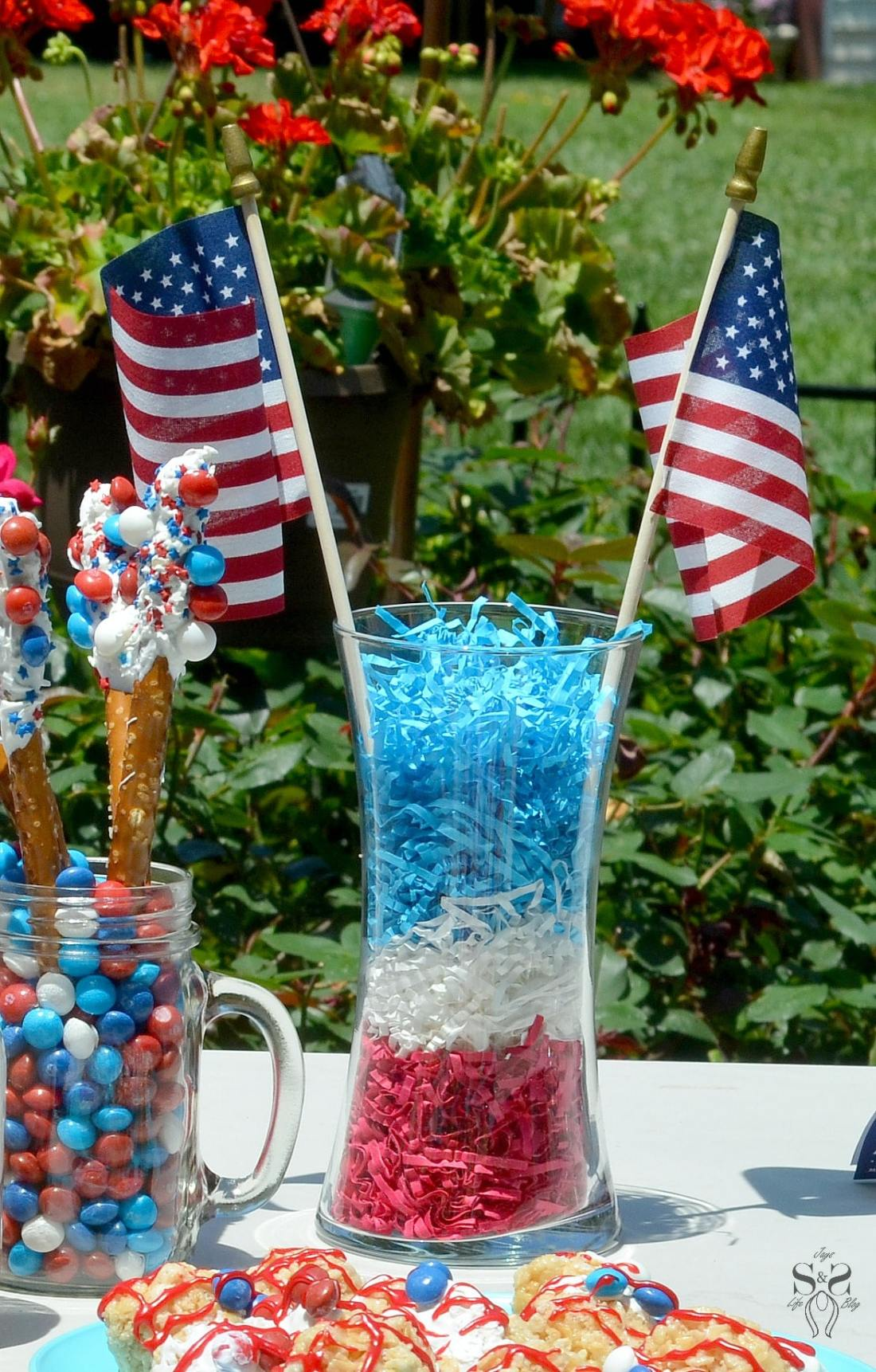 Skittles 4th of July Ideas table 9
