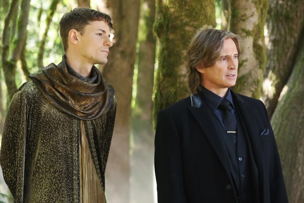 """ONCE UPON A TIME - """"The Savior"""" - As """"Once Upon a Time"""" returns to ABC for its sixth season, SUNDAY, SEPTEMBER 25 (8:00-9:00 p.m. EDT), on the ABC Television Network, so does its classic villain-the Evil Queen. (ABC/Jack Rowand) GILES MATTHEY, ROBERT CARLYLE"""