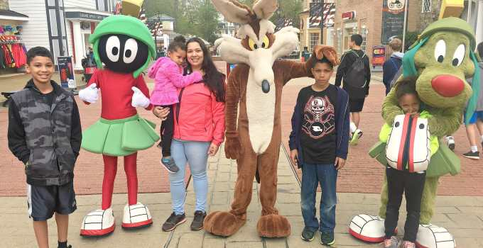 8 Tips For Rainy Day Fun At Six Flags America