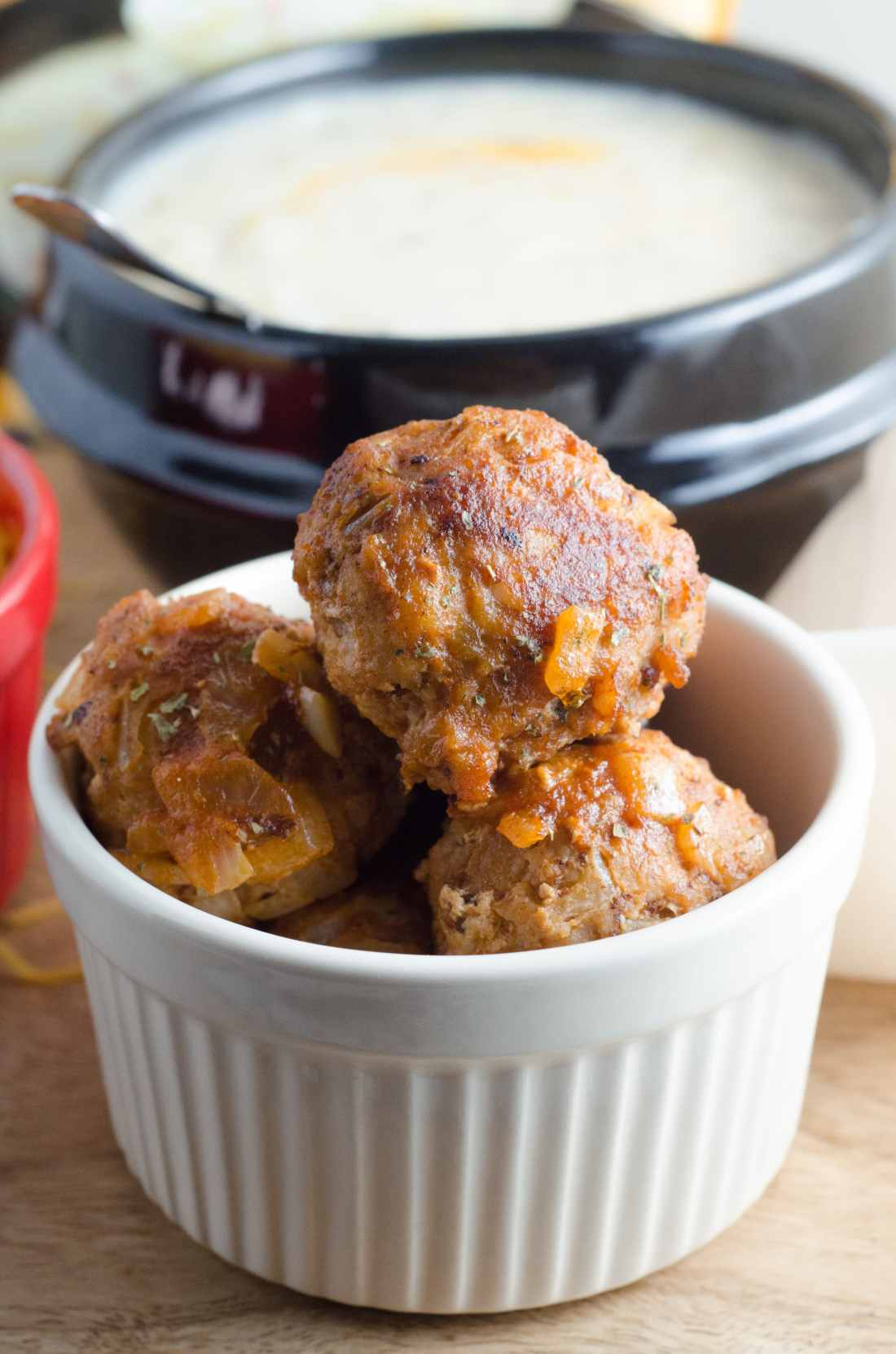 This sweet and sour turkey meatball is an easy 10 minute dinner option. Make ahead and freeze for future meals. Perfect for meal prepping and quick dinner options.