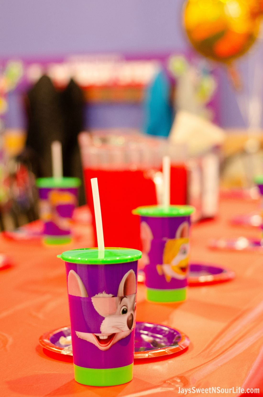 Recieve a Chuck e cheeses VIP birthday party Collectable Refillable Cup on party table. Book your party today and have guests enjoy 2 hours of unlimited game play.