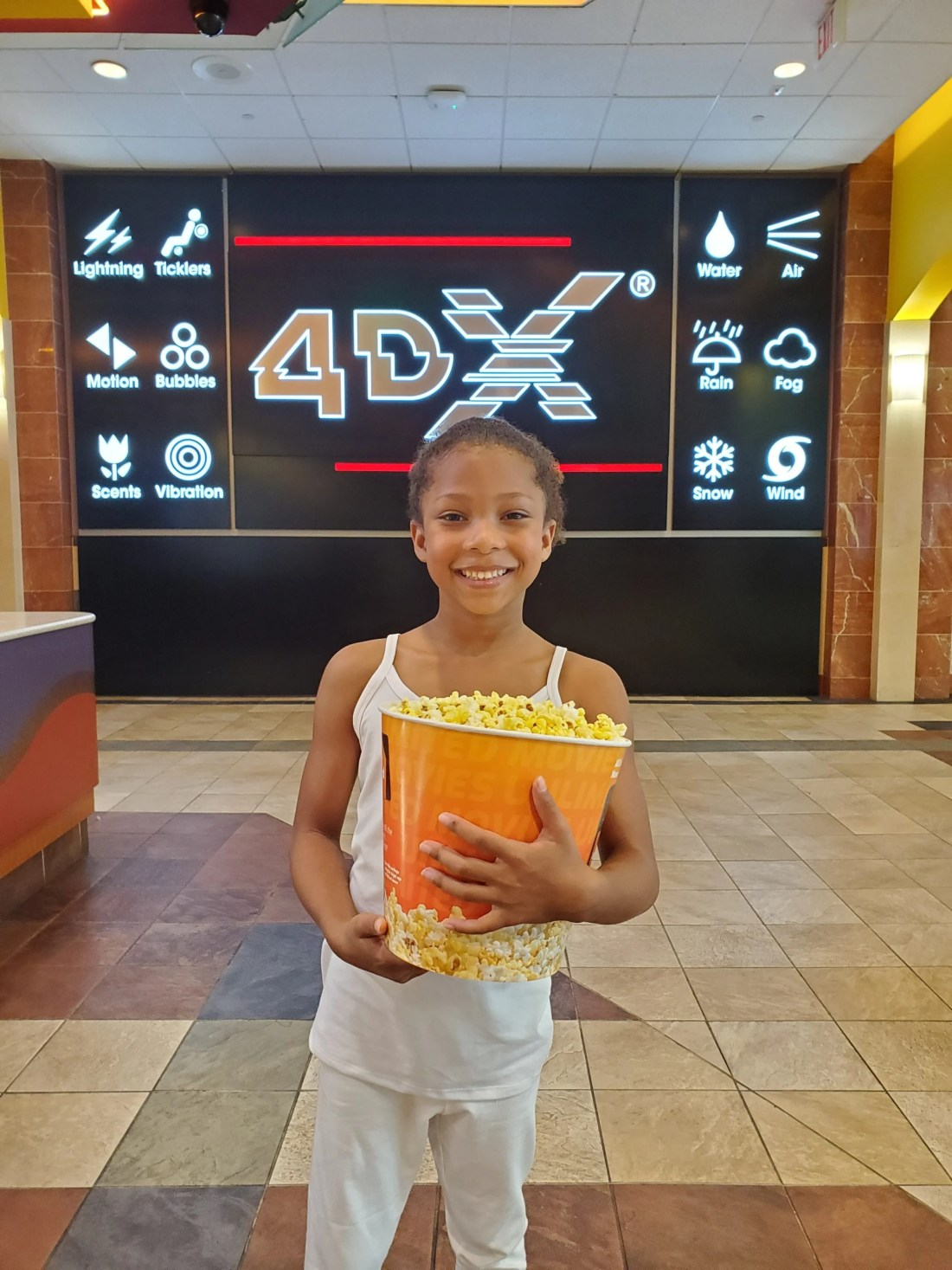 Abominable Movie Review - 4DX Experience at Regal Cinema Esuun. Catch the wonderfully captivating film 'Abominable' in 4DX at your nearest Regal Cinema Theatre. Set out on an epic 2,000-mile adventure from the streets of a Chinese city to the breathtaking Himalayan snowscapes.