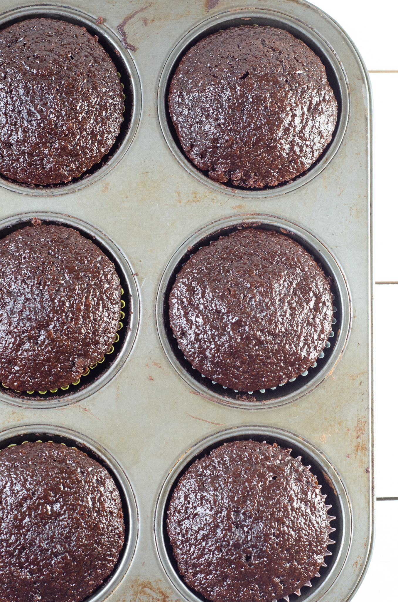 Chocolate Cupcakes In Pan. Sink your teeth into a childhood favorite cupcake that is as easy to bake as it is to eat. My Chocolate cupcakes with Chocolate Buttercream frosting and marshmallow creme filling will make the kid in you cheer.
