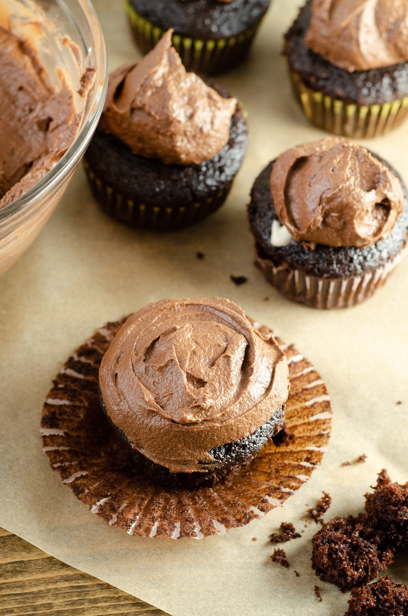 Chocolate Cupcakes with Chocolate Buttercream Frosting - Marshmallow Creme Filling. Sink your teeth into a childhood favorite cupcake that is as easy to bake as it is to eat. My Chocolate cupcakes with Chocolate Buttercream frosting and marshmallow creme filling will make the kid in you cheer.