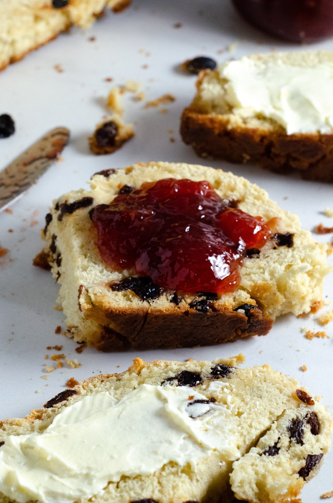 Irish Soda Bread with Jam. This Irish Soda Bread is a quick and easy bread recipe you can whip together and spoil your family with. Also known as quick bread, It's a no yeast bread recipe that will take over your home with the sweet smell of fresh-baked bread.
