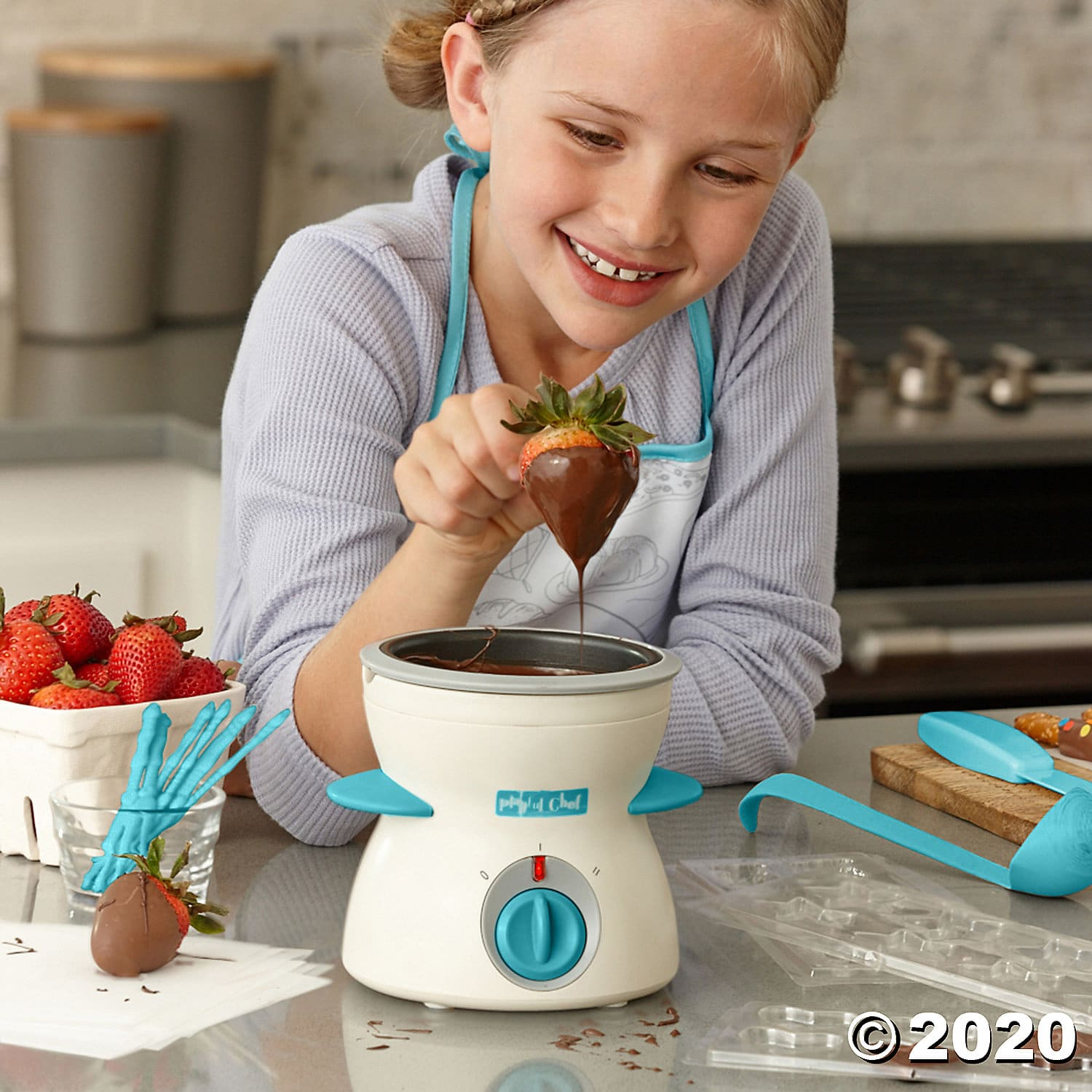 Playful Chef: Chocolate Studio. A melting pot that is cool to the touch and magically turns your chocolate chips or chunks into velvety swirls of perfectly smooth, melted chocolate. It's not a dream! 2020 Valentine's Day Gift Guide from Jays Sweet N Sour Life Blog.