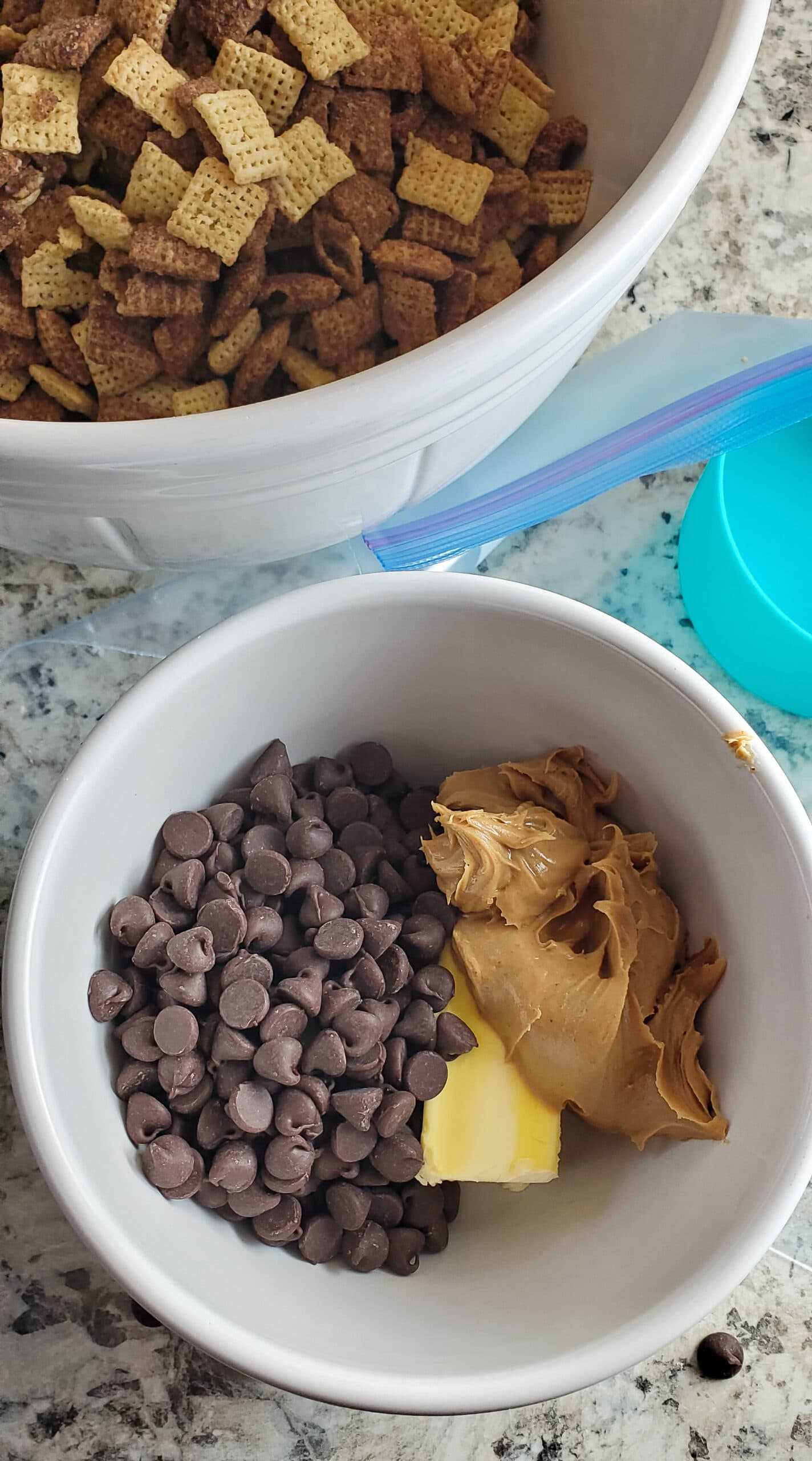 Scooby Snacks Step 1. If you enjoy solving a good old mystery with your favorite gang of meddling kids, then you will love this Scooby Snack Recipe. It's full of chocolate, peanut butter and is said to be Scooby's favorite snack when he watches movies.