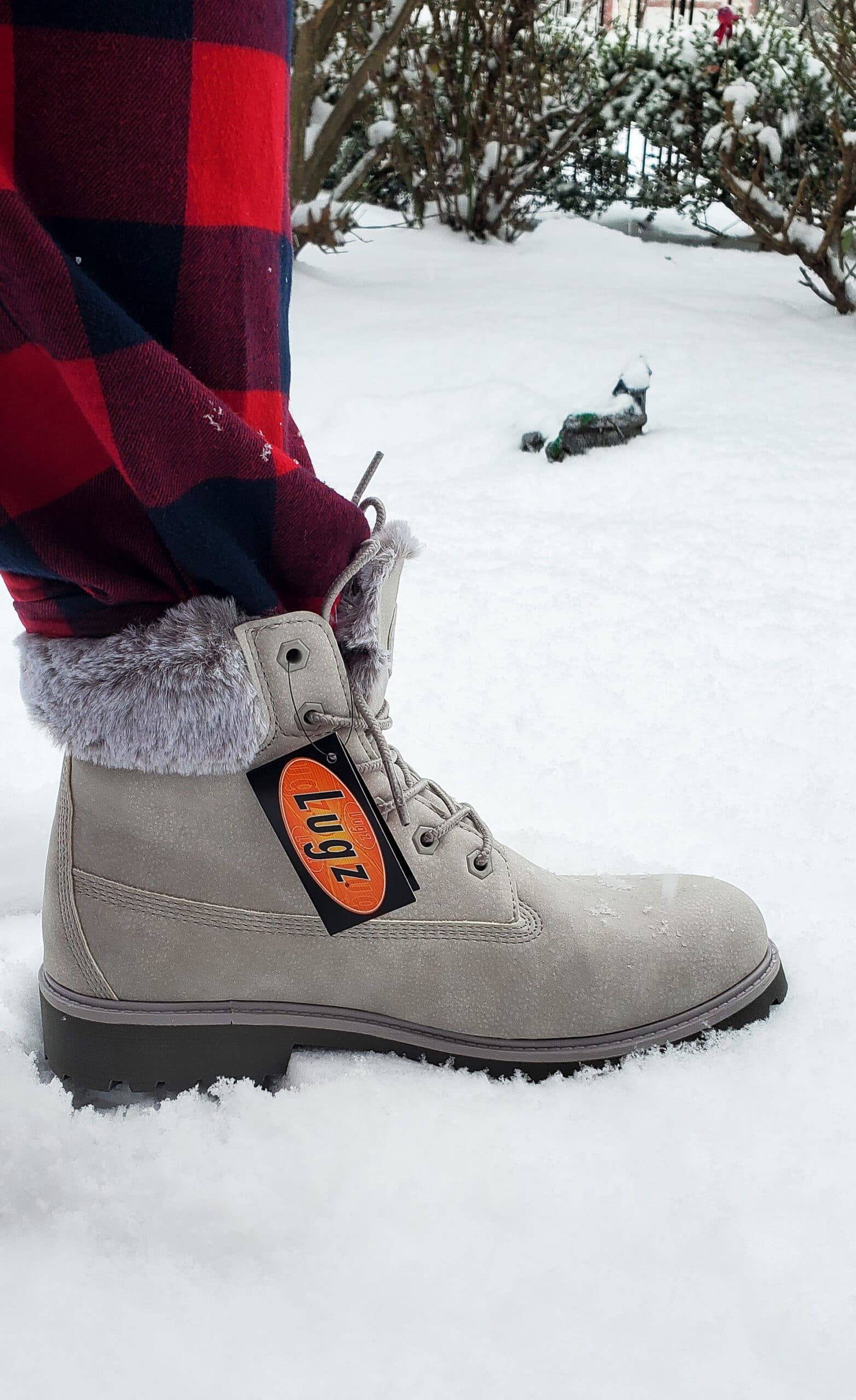 Lugz Convoy Fur Boot Closeup. Easy to style and fits seamlessly into my winter wardrobe. Read why I'm recommending this comfy and stylish gift in my Lugz Convoy Fur Boot Review.