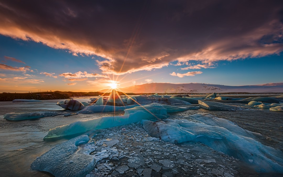 From the Road : Iceland – Sunset over The Glacier Lagoon
