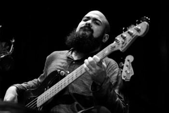 Reza Askari, Bass