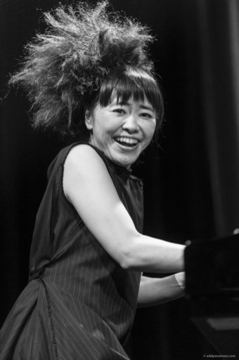 HIROMI: THE TRIO PROJECT FEATURING ANTHONY JACKSON & SIMON PHILLIPS @ North Sea Jazz Festival 2016Ahoy / HudsonRotterdam (NL) Hiromi - piano Anthony Jackson - bass Simon Phillips - drums Photo © Eddy Westveerwww.eddywestveer.comAll rights reserved. The use of this photo without written permission is prohibited. This photo and more are available in high resolution.  Contact me for license to use. Visit www.jazzisnotdead.com. PHOTO 20160709_EW42357