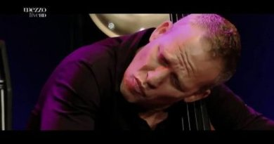Avishai Cohen Nancy Jazz Pulsations 2015 YouTube Jazzespresso Revista Jazz