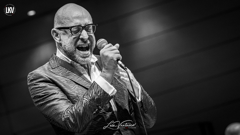 Luca Vantusso 爵士音乐人物肖像摄影Mario Biondi Jazzespresso