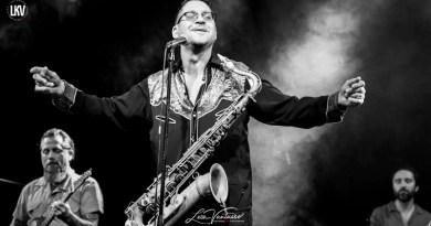 Luca Vantusso 阿斯科納 爵士音樂人物肖像攝影 Sax Gordon