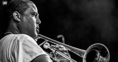 爵士音乐人物肖像摄影: 格伦·大卫·安德鲁斯(Glen David Andrews)
