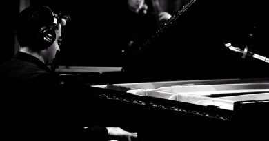 维杰·艾尔三重奏(Vijay Iyer Trio) Combat Breathings Jazzespresso 2021