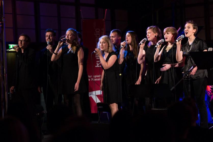 Das Gesangs-Ensemble. Foto: Petra Basche