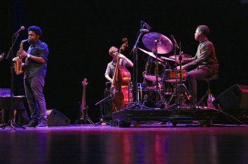 0K3A0152, Soweto Kinch Trio (dombr)