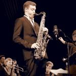 Roman Fritsch im Velodrom mit der Uni Jazzorchester Regensburg (UJO). Foto: Juan Martin Koch