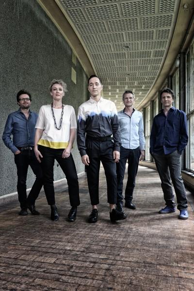 V.l.n.r.: Tom Arthurs, Julia Hülsmann, Theo Bleckmann, Heinrich Köbberling, Marc Muellbauer Foto: Volker Beushausen