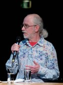 Arne Schumacher (Radio Bremen) beim Vorspiel zum Jazzfest. Foto: Petra Basche