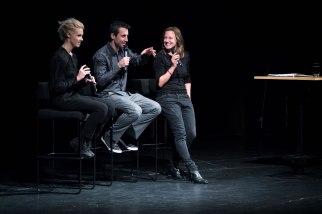 Julia Kadel, Alexander Hawkins und Nadin Deventer im Gespräch. Foto: Petra Basche