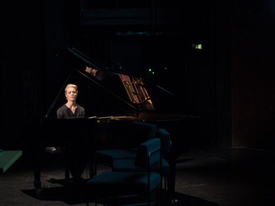 Julia Kadel beim Vorspiel zum Jazzfest. Foto: Martin Hufner
