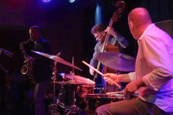 Fly, Mark Turner (sax), Larry Grenadier (b), Jeff Ballard (dr), Unterfahrt München, Foto Ralf Dombrowski