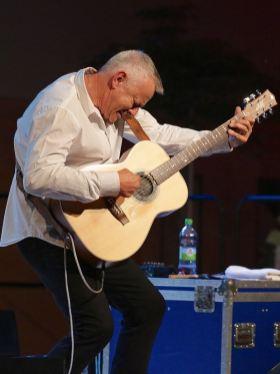 Tommy Emmanuel, Gitarrenfestival Hersbruck, Geru-Halle, Foto Ralf Dombrowski