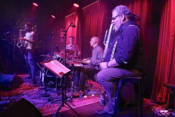 Shabaka Hutchings (sax), Seb Roachford, Tom Skinner (dr), Michel Godard (tuba), Fasching Jazz Club, Stockholm, Foto Ralf Dombrowski