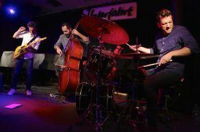 Julian Lage Trio, Unterfahrt München. Foto Ralf Dombrowski