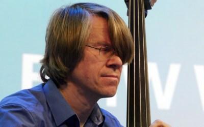 Konzert Nummer 3 des BMW Welt Jazz Award: Henning Sieverts mit Symmethree
