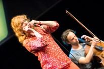 Wirbelwind an der Mundharmonika: Hermine Deurloo mit ihrem Quartett. Foto: Susanne van Loon