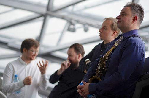 Von links nach rechts: Morten Vagan, Gard Nilssen, Dominik Wania und Maciej Obara. Foto: Ralf Dombrowski