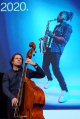 Marc Demuth: Spielt einen Bass, der nach Bass klingt. Foto: TJ Krebs