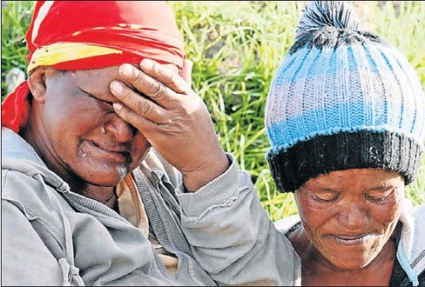 The drowned children's mothers' Magrette Makonie' left' and Virginia Botha' weep after the drowning of little Jaydene Makonie and Patriano Botha in the Langkloof. Picture: FREDLIN ADRIAAN