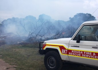 jeffreys bay, paradise beach fire
