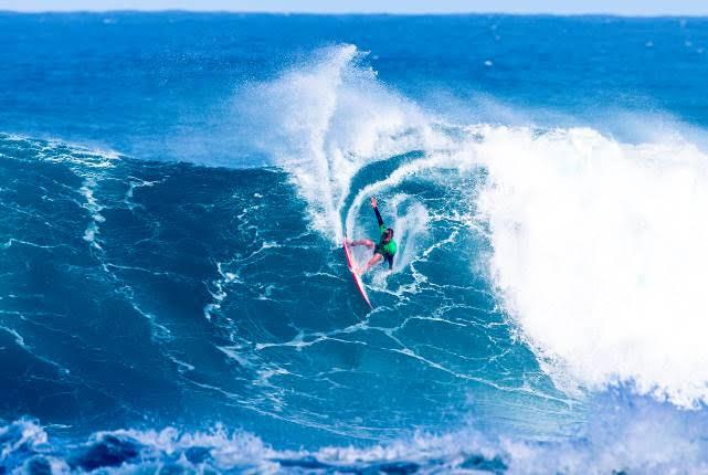 WSL QS surfing jeffreys bay