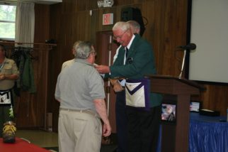Lester Miley receives 50 year pin