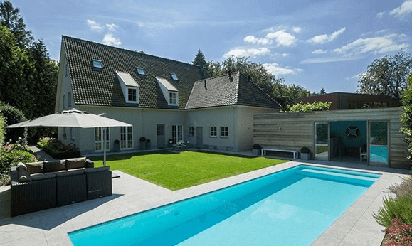 Make A 'Star Attraction' Of Your Swimming Pool - Choose A Great Finish