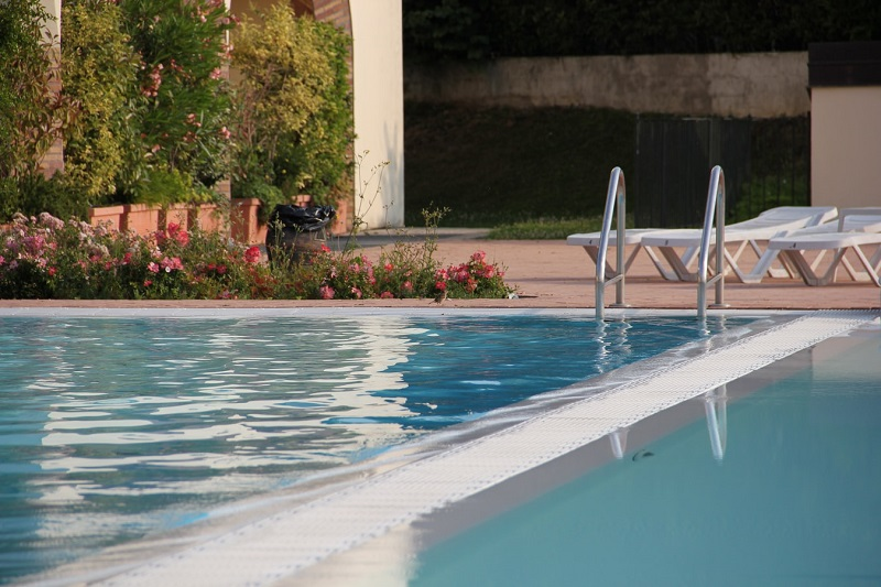 Buy Your Swimming Pool In Winter! Here's Why