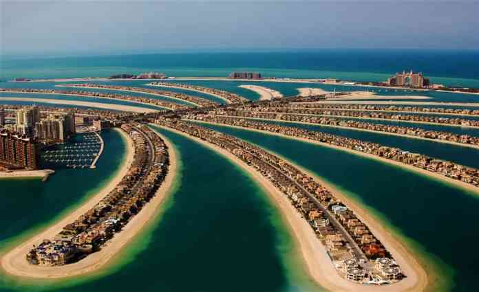 Visit the Palm Jumeirah in Dubai