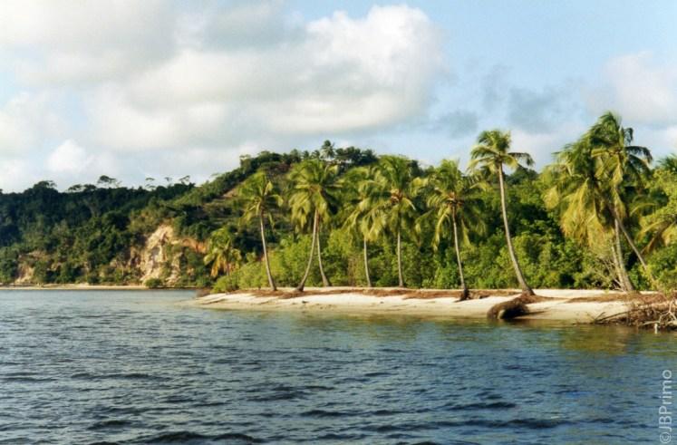 Brasil - Alagoas - Rio Sao Miguel e Ilha dos Tres Coracoes