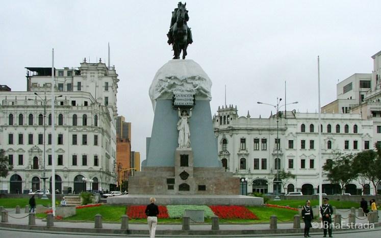 Peru - Lima - Plaza San Martin (Tour Lima)