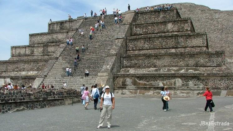Mexico - Teotihuacan - Piramide de la Luna