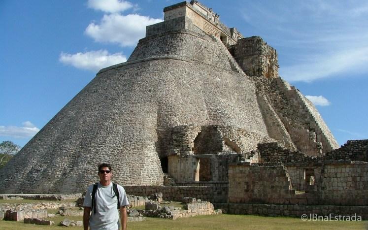 Mexico - Uxmal - Templo del Adivino